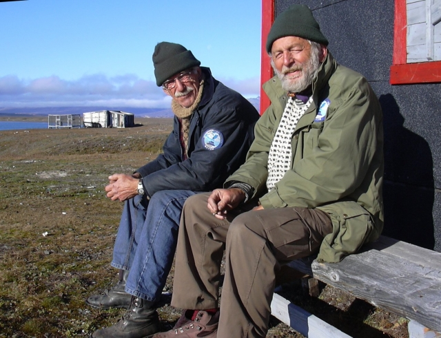 Norwegian friends working for Nanok (left): Otto M. Martens and Ivar Ytreland. Myggbukta 2002.